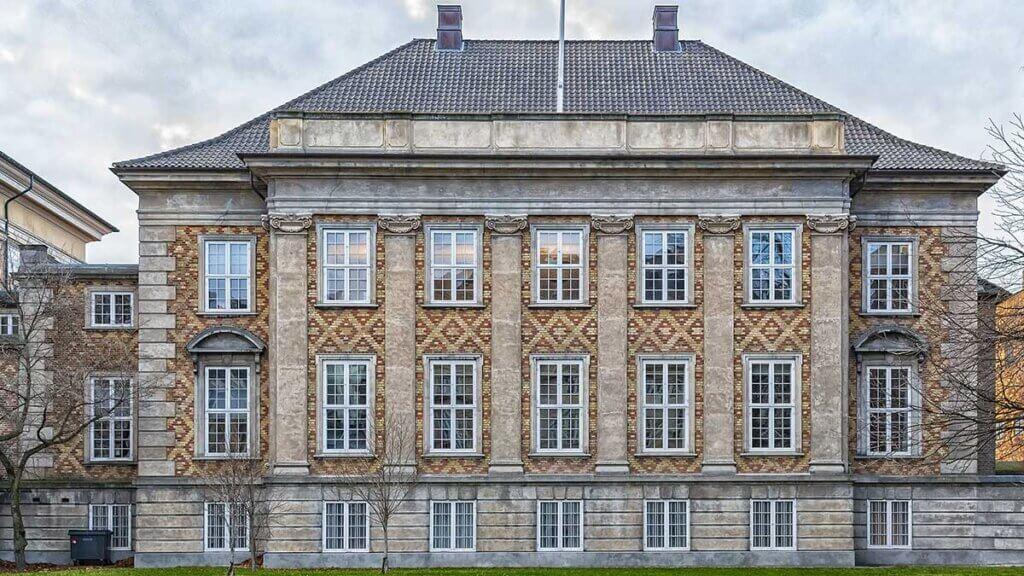 markedslejefastsættelse - Den 14. oktober 2020 afsagde Østre Landsret dom i en markedslejesag mellem lejer af et dagligvarelejemål og udlejer.
